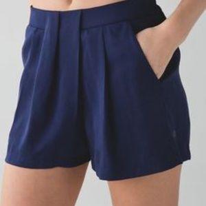 Lululemon Size 4 Keepsake Shorts in Hero Blue